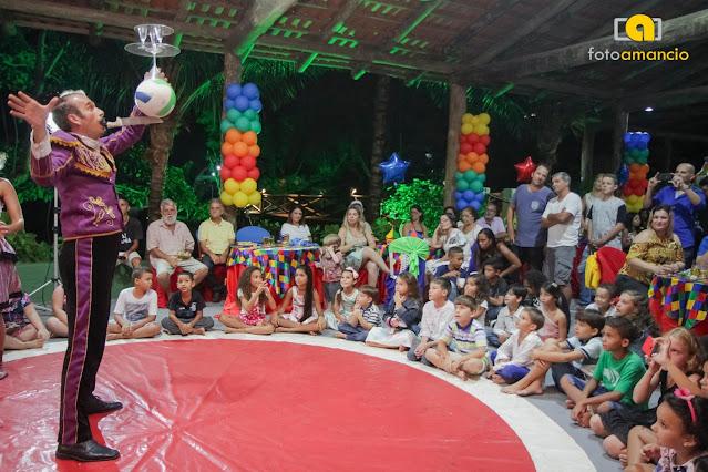 Animação com circo para festa de aniversario de um ano no Rio de Janeiro.