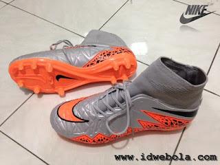 Sepatu Bola Nike Hypervenom II Grey