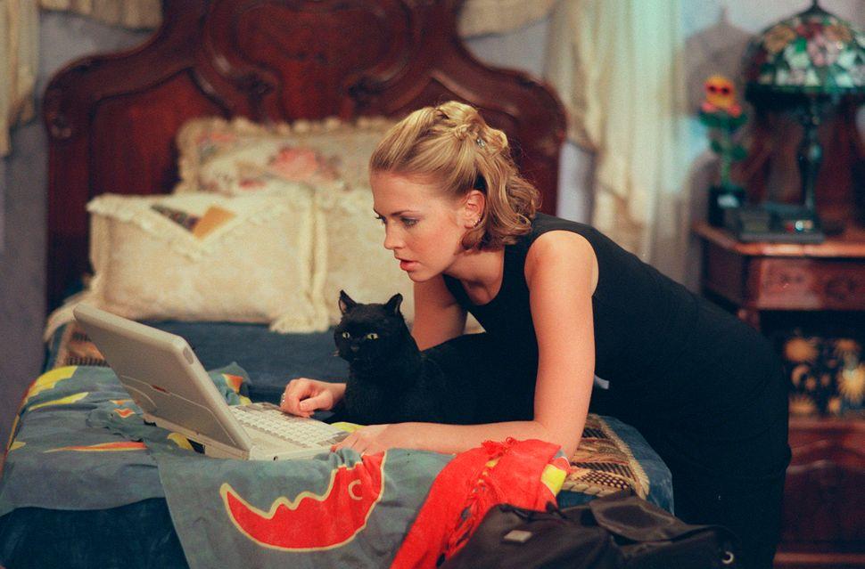ver sabrina la bruja adolescente online