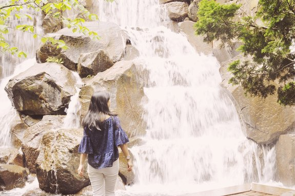 most instagrammable places in seattle waterfall garden