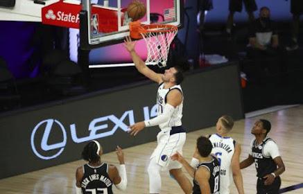 NBA:Luka Doncic realiza triple doble  anota 34 puntos, 20 rebotes y 12 asistencias.