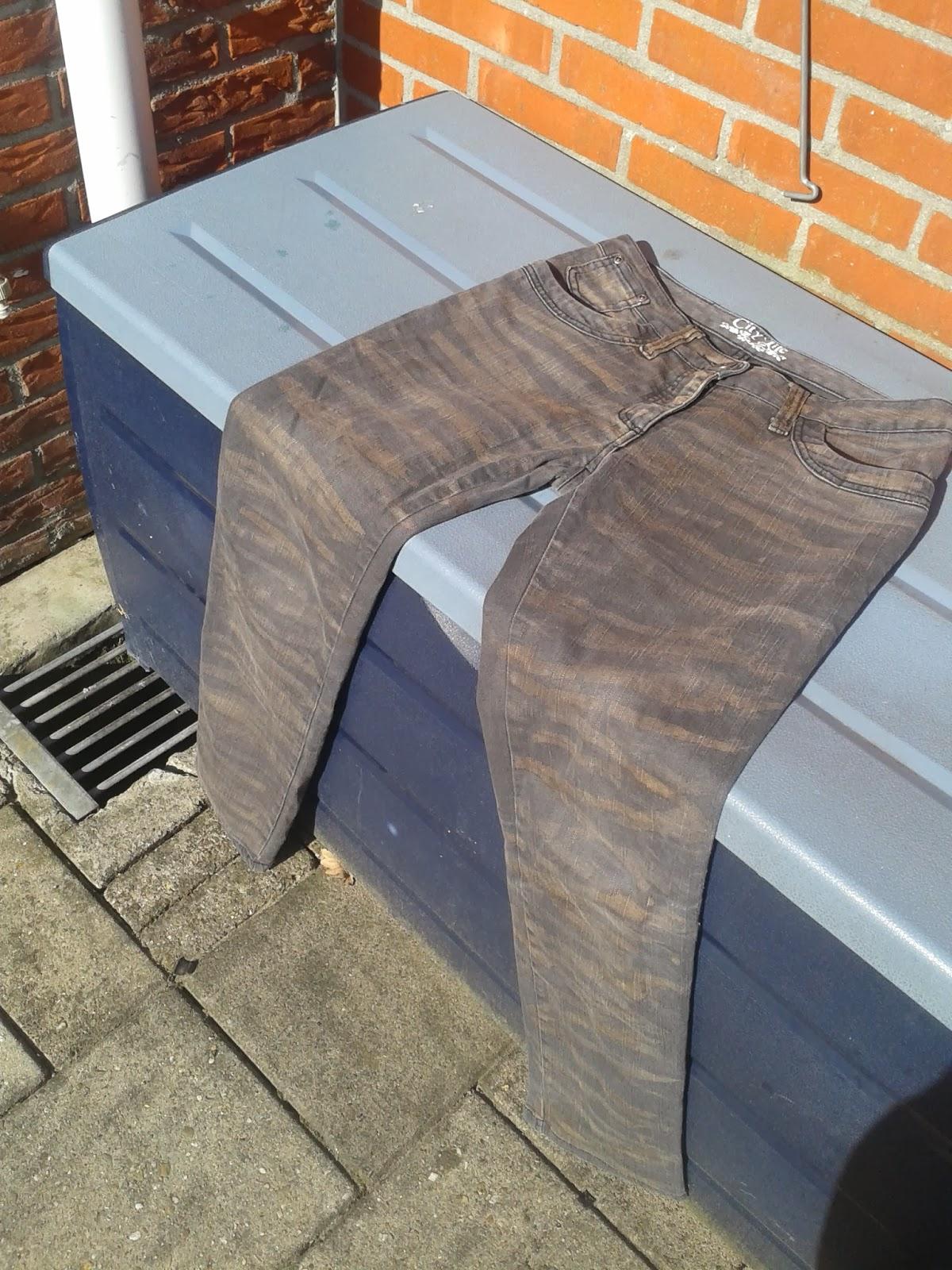 2014 03 04+12.48.40 - DIY broeken bleken