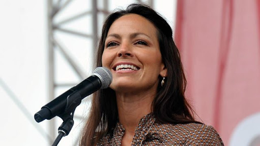 ACM Awards Pay Tribute to Late Joey Feek as Daughter Hopie Watches From the Crowd