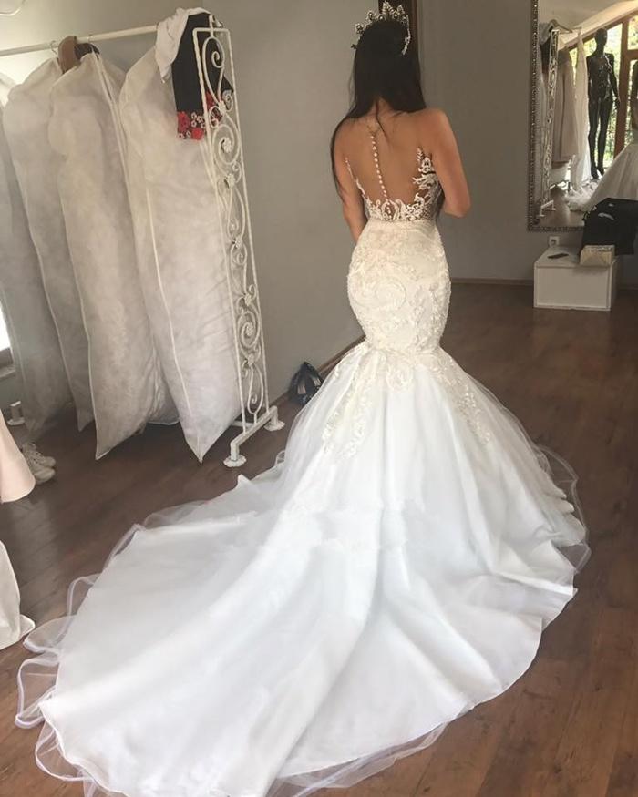 https://www.27dress.com/p/sleeveless-buttons-gorgeous-mermaid-long-lace-wedding-dress-107885.html