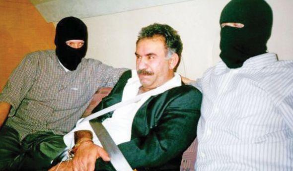 Οκτώ τούρκοι αξιωματικοί κι ένας Οτσαλάν