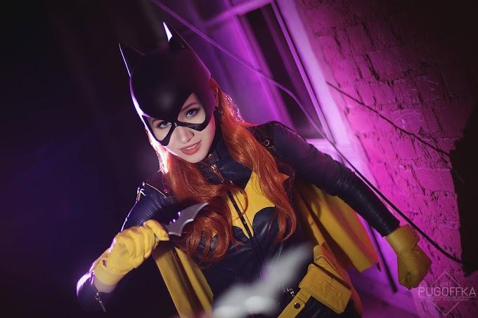 VERT con su cosplay de Batgirl