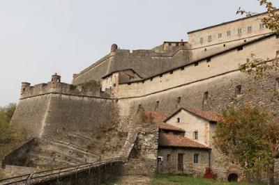 Trave blog - itinerari e luoghi da vedere in Italia : Il Forte di Gavi (Al)
