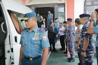 Wali Kota Tarakan Mengantar Asops Kasal Berserta Rombongan di Ruang Vip Room Bandara Juwata - Tarakana Info