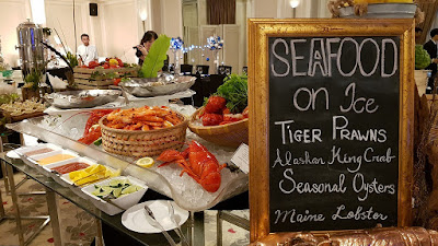 The fresh seafood on offer during the media tasting session included tiger prawns, Alaskan king crab, seasonal oysters and Maine lobster.