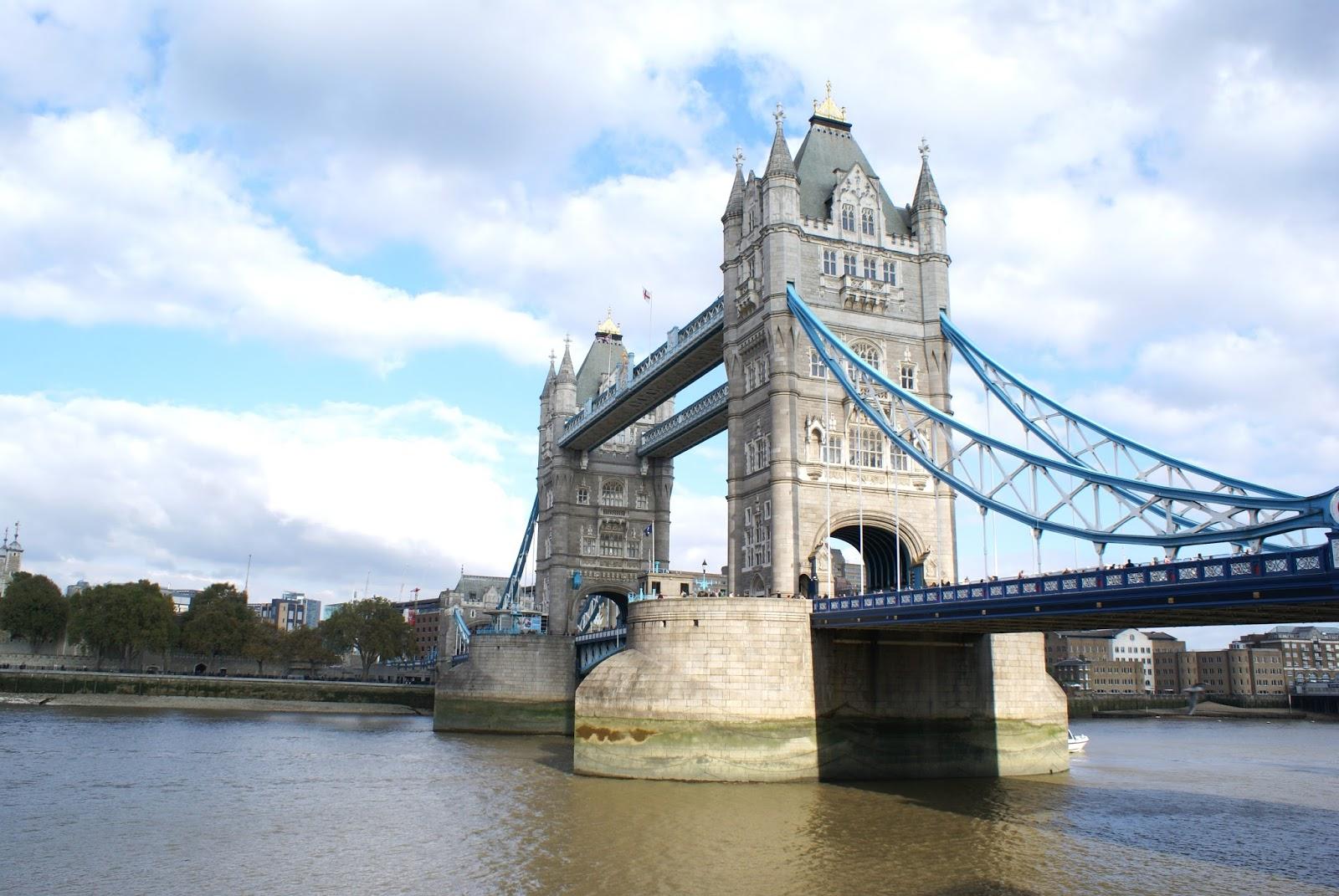 london tower bridge thames uk united kingdom