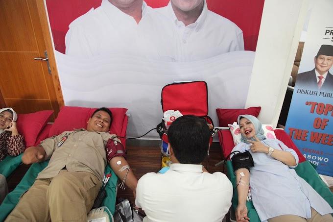Istri Cawapres Sandiaga Uno Ikuti Aksi Donor Darah Bersama Relawan Prabowo Sandi Di Menteng Jakpus