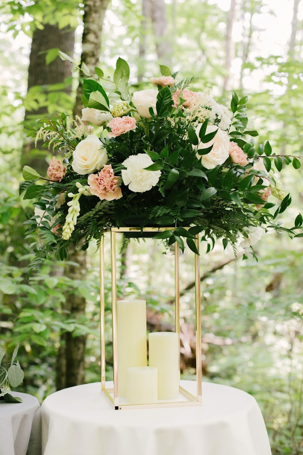 If you think the EVERYDAY wedding centerpiece designs can stand up to this, you better think again!