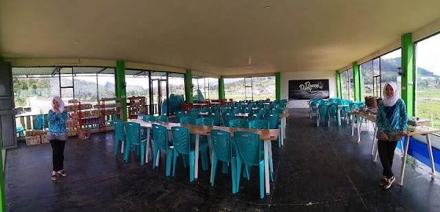 ruangan di restoran boemi dieng