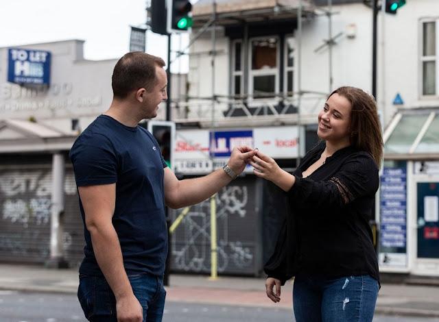 L'appartamento dell'albanese viene bruciato dalle candele della proposta di matrimonio in Inghilterra