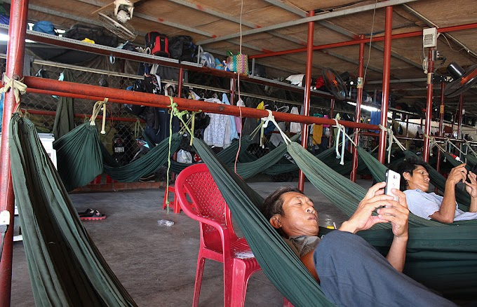 'Hammock motels' shield destitute from Saigon rat race
