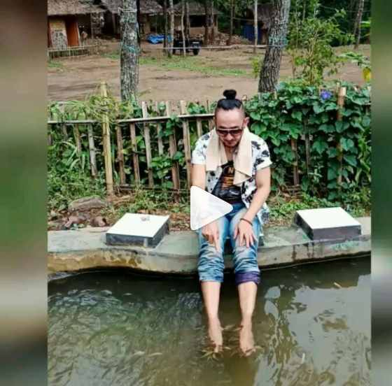 Kolam Terapi Ikan di Punceling Pass Ciwidey Bandung