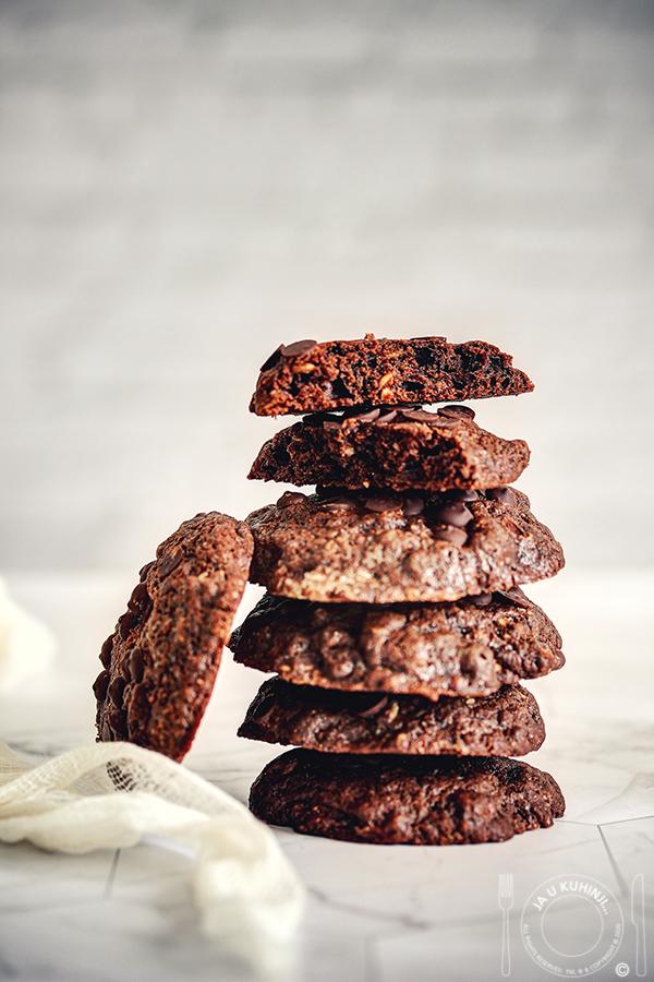 Čokoladni keksići sa ovsenim pahuljicama i čokoladnim kapljicama