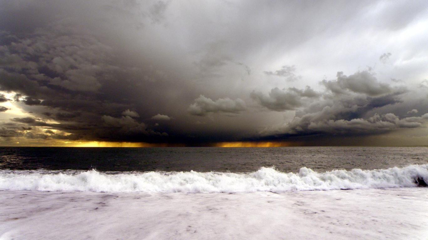 Eyesurfing: Storm At Sea Wallpaper Theme