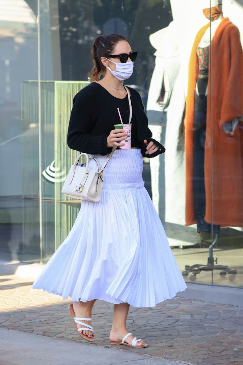 Pregnant Katharine McPhee Shopping for Baby Clothes in West Hollywood 9 Nov-2020