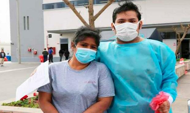Médicos realizan exitosa traqueoplastía a joven sobreviviente de covid-19