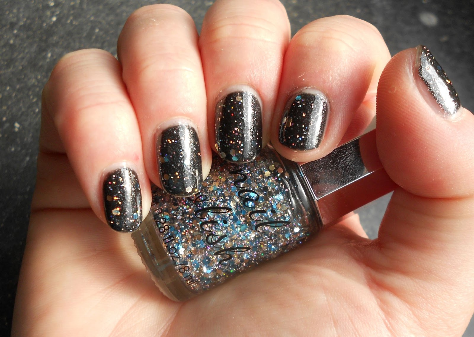 Ina´s Polish Box: [SINGS] Covergirl - 330 diva after dark