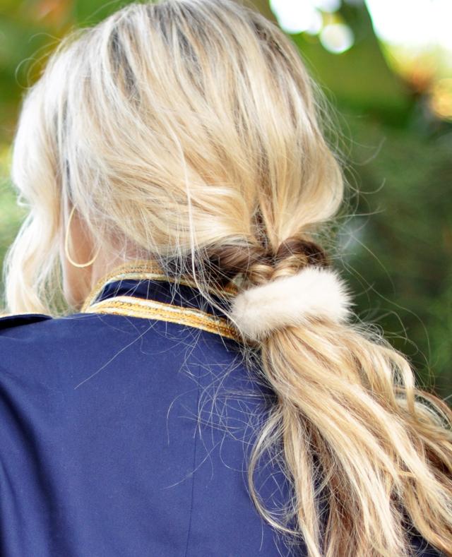 hair, low pony twist