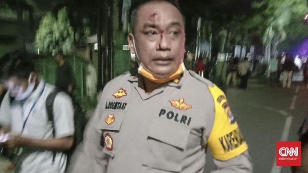 Demo Omnibus Law Banten Ricuh, Pejabat Polda Kena Timpuk di Kepala
