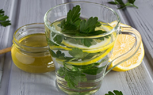 The benefits of parsley on an empty stomach