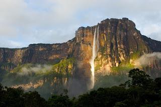 El Salto Ángel en la Gran Sabana. La caida de agua mas alta del mundo. La caida de agua mas alta de Venezuela. La catarata mas alta del mundo