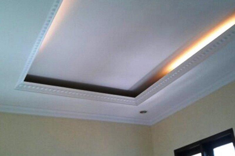 model plafon ruang tamu kecil minimalis