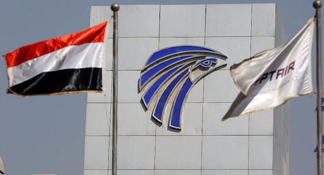 وزير الطيران المصري يؤكد أنه سيقود إحدى الطائرات بنفسه لإعادة مصريين من الخارج