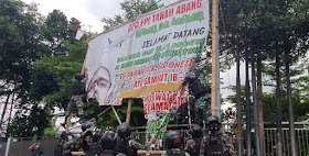 Pengacara FPI: TNI Itu Dibiaya Rakyat, Jadi Jangan Cuma Urusin Baliho HRS Dong!