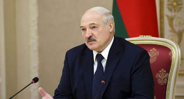 Lukaşenko: Təyyarəni nə Vilnüs, nə Varşava, nə Lvov, nə də Kiyev qəbul etmək istədi