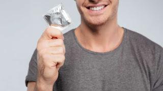 Ilustrasi kondom. (Shutterstock) updetails.com
