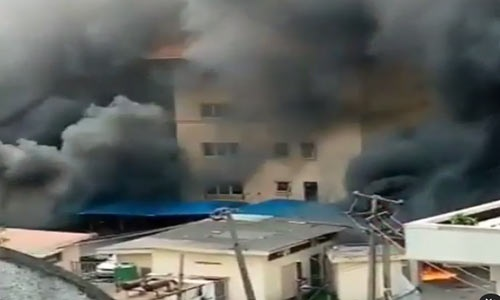 Hoodlums Set Lagos High Court And Magistrates Court On Fire (VIDEO)
