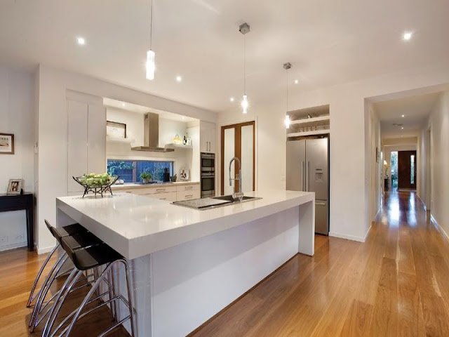 White gloss kitchen style with wooden floors White gloss kitchen style with wooden floors White 2Bgloss 2Bkitchen 2Bstyle 2Bwith 2Bwooden 2Bfloors7