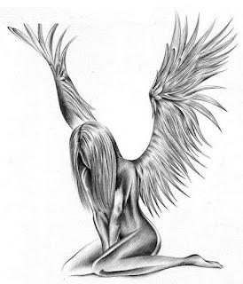 тату ангела +на лопатке