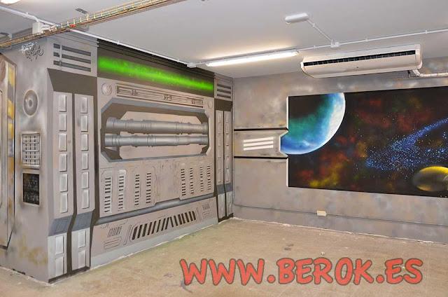Pintura mural de nave espacial