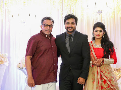 Nassar-in-Bobby-Simha-and-Reshmi-Menon-wedding-reception