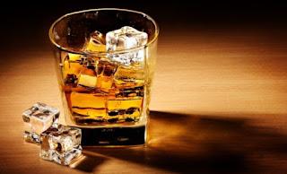 Ποτό, αλκοόλ, ουίσκι, εθισμός, πάγος, μεθύσι