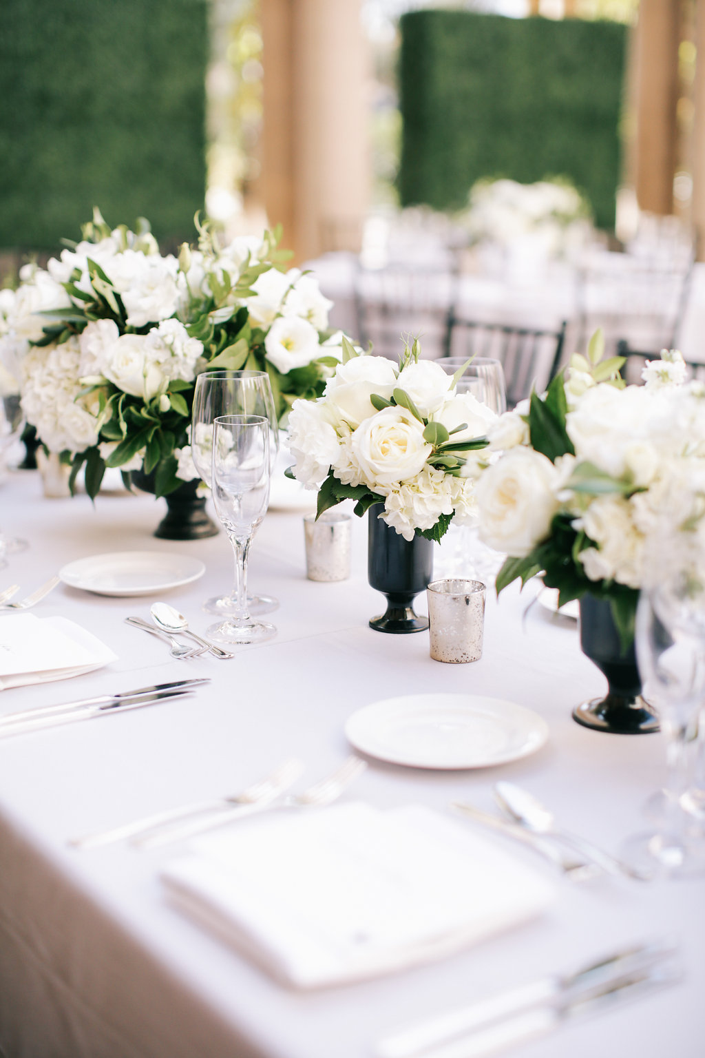 Classic Athenaeum Wedding in Pasadena | Heavenly Blooms