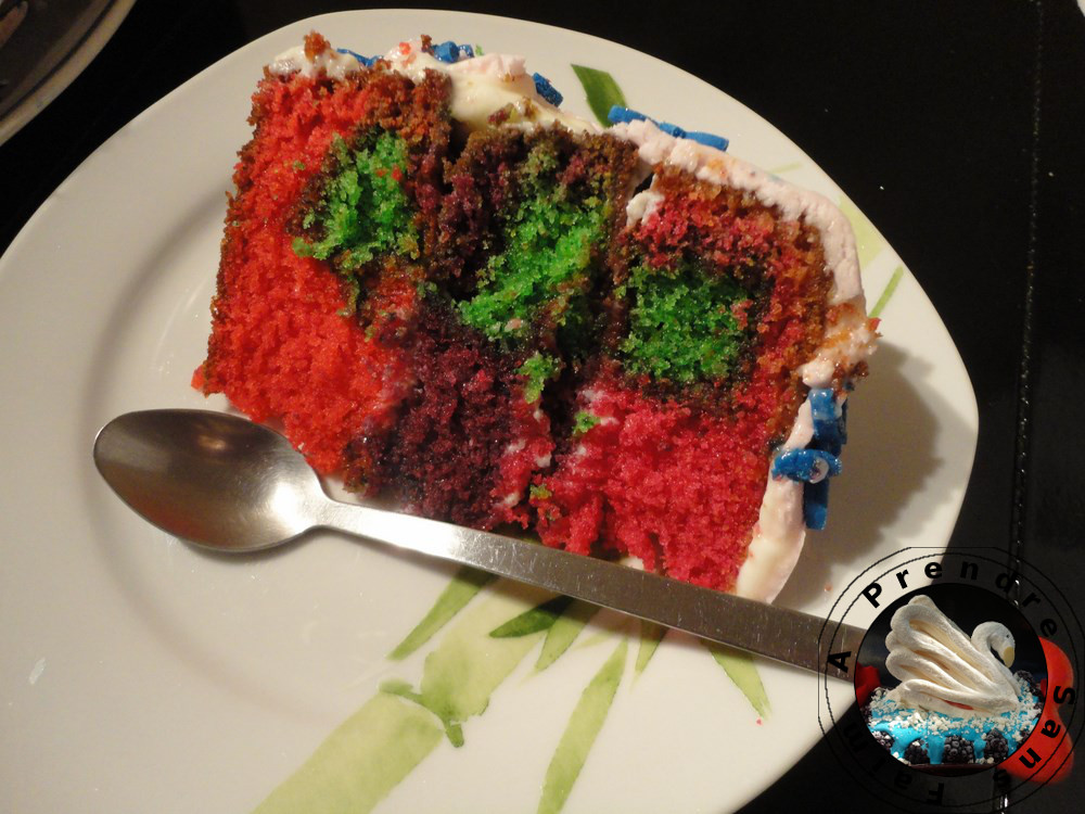 Gâteau d'anniversaire à l'amande et à la crème mascarpone