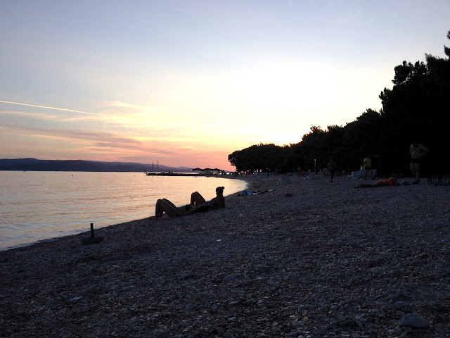 Chorwacka plaża wieczorem