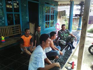 Babinsa Koramil Tlogowungu Jalin Komunikasi Dengan Warga Desa Tajungsari