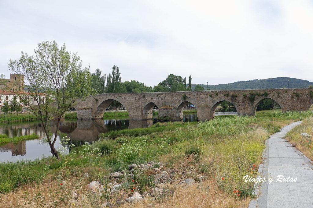 Puente medieval sobre el Tormes, El Barco de Ávila