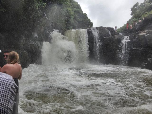 La cascada que se visita durante la excursión a Ile Aux Cerfs