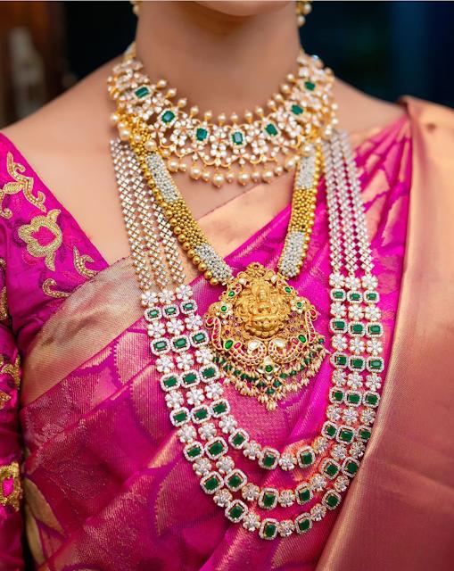 Bride in Diamond Floral Set Nakshi Pendant