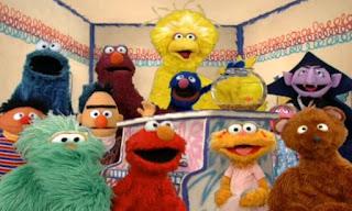 Sesame Street Elmo's World the Friends song ends.