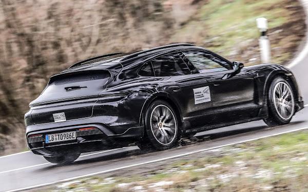 Porsche Taycan Cross Turismo: versão SUV elétrica em testes de estrada
