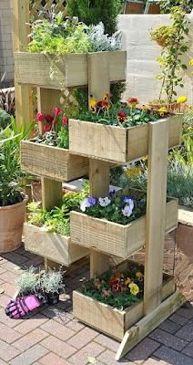 jardin vertical para flores con pallets de madera